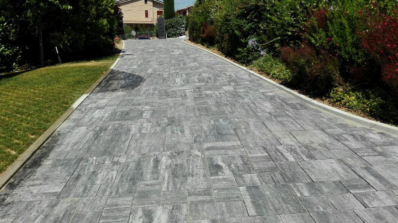 Pavimenti contigiani e ruani for Pavimento in autobloccanti